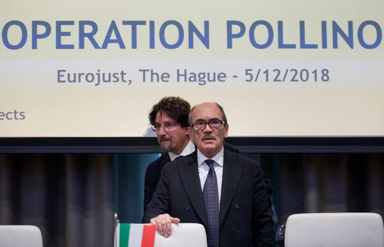 Aanklager Federico Cafiero De Raho, tijdens de persconferentie over Operatie Pollino, vanmiddag in Den Haag  Beeld AP