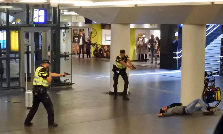 Agenten schoten Jawed S. kort na zijn aanval neer in de stationshal.