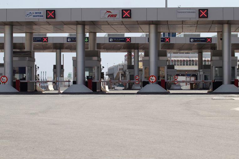 In de Zuid-Spaanse havenstad Algeciras blijft de toegang tot de veerboten naar Tanger afgesloten.