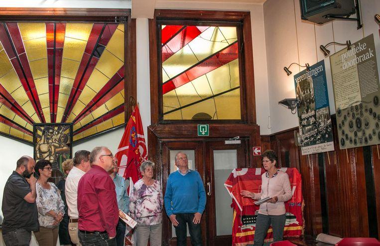 De expo in het Volkshuis, waar de socialistische beweging haar geschiedenis in de Wase hoofdstad uit de doeken doet.