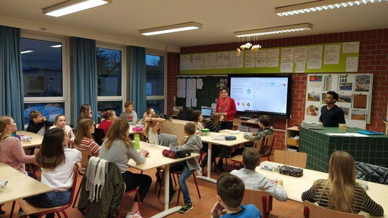 Schepen Anne Van Goidsenhoven kwam ook uitleg geven voor de leerlingen.