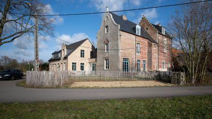 """Kasteel Heerlijkheid van Berentrode in Bonheiden staat te koop: """"Voor wie van ruimte, groen én klasse houdt"""""""