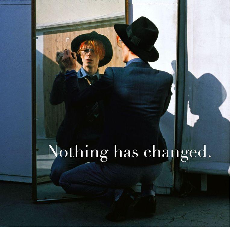 Deze drie foto's verschenen op de website van David Bowie na de aankondiging van zijn verzamelalbum. 1/3 Beeld