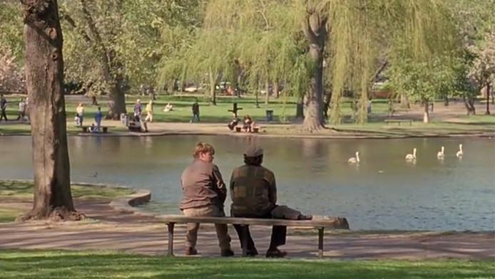 De bekende bankscène in de film Good Will Hunting.
