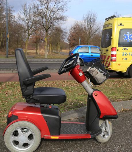 Man gewond door omslaan van scootmobiel in Helmond