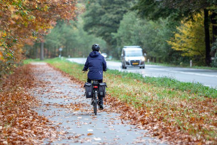 De N319 tussen Vorden en Ruurlo. Nabij Medler, een buurtschap gelegen aan deze gevaarlijke doorgaande weg.