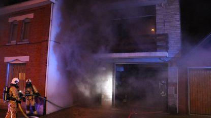 Keukenbrand zorgt voor hevige rookontwikkeling, woning onbewoonbaar