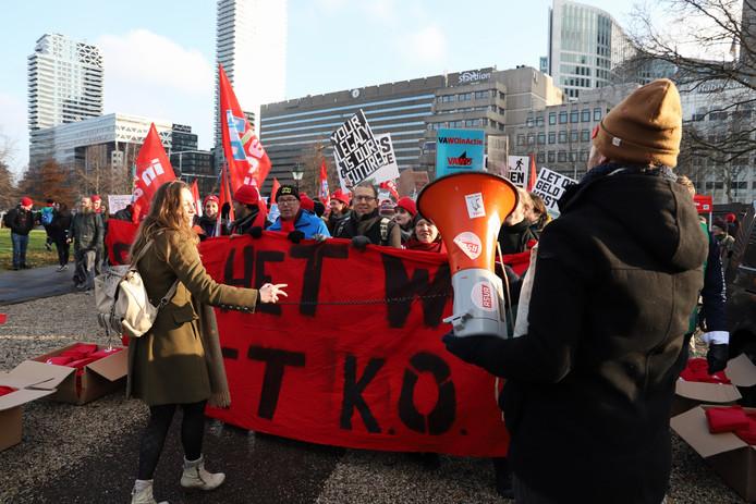 Verzamelen voor de mars bij het Centraal Station.