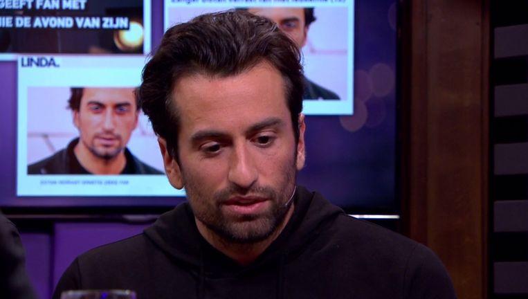Dotan doet zijn verhaal op 'RTL Late Night'.