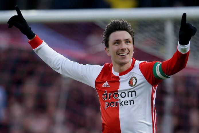 Steven Berghuis steelt de show tegen PSV met een hattrick.
