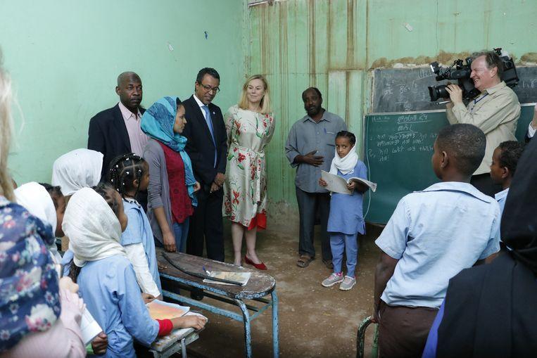 Sigrid Kaag op de de El Deem Eritrean School in Soedan. Beeld Ministerie van Buitenlandse Zaken / Ahmed Mahjoub