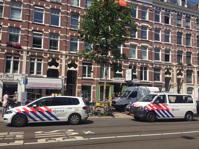 Politie vanmiddag bij de woning waar Hoovers en zijn vriendin werden gevonden.