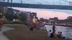 """""""Dit kan absoluut niet, het is levensgevaarlijk"""": jongeren springen van Collegebrug de Leie in"""
