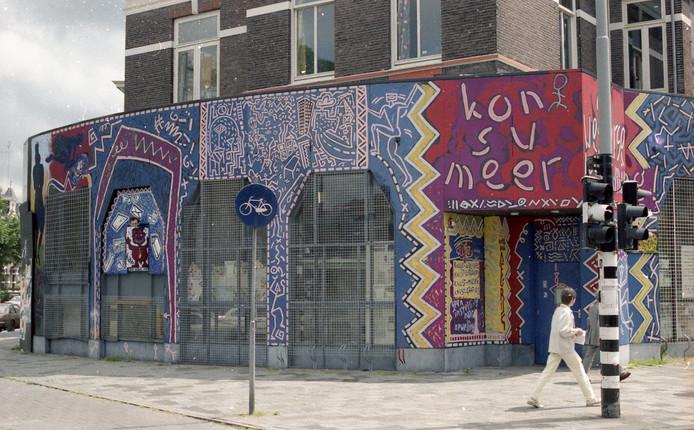 De Westland op de hoek Sint Annastraat-Groesbeekseweg in Nijmegen, het kraakpand waarin Knust begon. Archieffoto