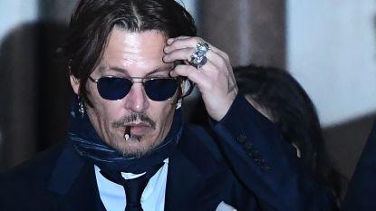 """Johnny Depp stuurde woedende sms'en naar vriend: """"Ik wil Amber Heard verdrinken en dan verbranden"""""""