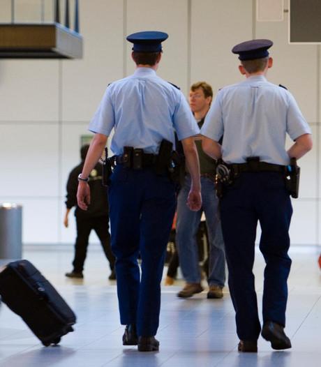 Man aangehouden op Schiphol voor cocaïnehandel