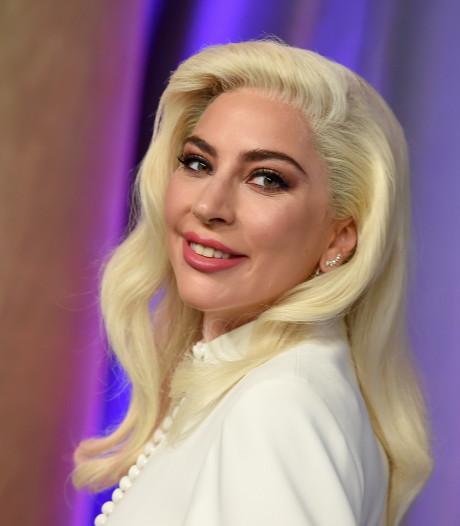 Lady Gaga in ziekenhuis voor röntgenfoto's na flinke smak van het podium
