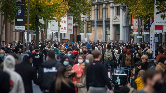 """Gouverneur Cathy Berx reageert cynisch op koopzondag in Antwerpen: """"Ik hoop dat de mensen niet komen en dat het hard gaat regenen"""""""