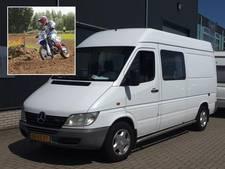 Arnhemse crosser gedupeerd: bus met al zijn cross-spullen gestolen