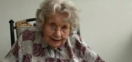 Oma Rita (99) is oudste Britse corona-overlevende:  'Met dank aan broodjes jam'