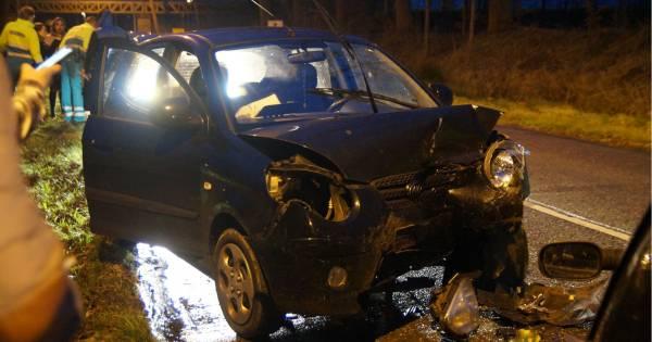 Meerdere gewonden bij frontale botsing op glad wegdek van gevreesde afrit A59 bij Drunen.