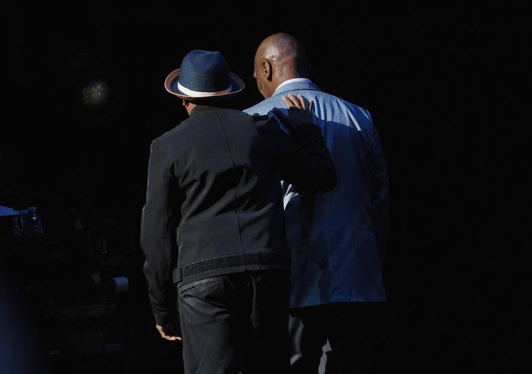 Tyson en Lee bedanken het publiek. Beeld afp