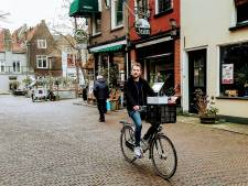Op de fiets met barman Jon Cornelese: 'Lekker tingelen als tramlijn 1'
