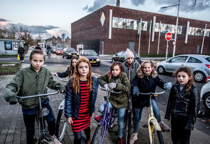 Een groep buurtkinderen pleitte eind vorig jaar voor een veiligere kruising.