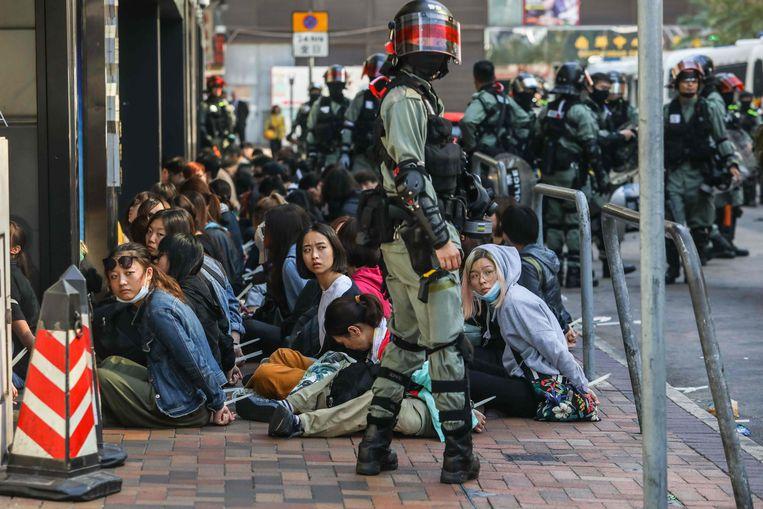 Tientallen betogers zijn inmiddels opgepakt. Beeld AFP