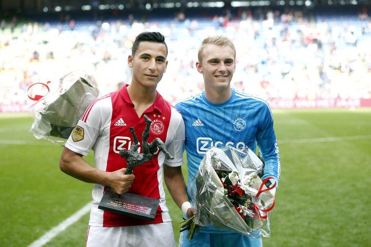 El Ghazi (links) werd afgelopen seizoen uitgeroepen tot Talent van het Jaar bij Ajax. Beeld anp