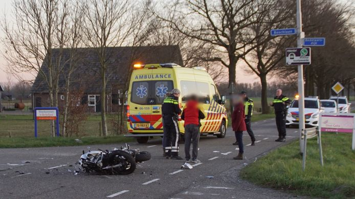 De motorrijder raakte ernstig gewond bij een ongeval met een auto in Beltrum.
