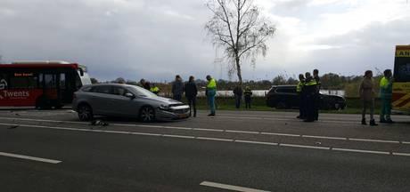 2 kinderen gewond bij botsing in Enschede