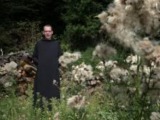 Achterhoekse monnik Thomas brengt boek uit met liefdeslessen: 'Geen verstand van liefde? Ho even!'