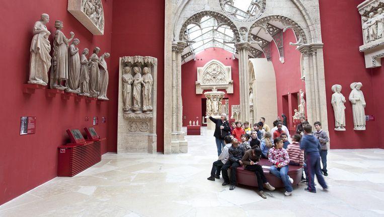 Kinderen in het museum Cité de l'architecture et du patrimoine in Parijs. Beeld Hollandse Hoogte