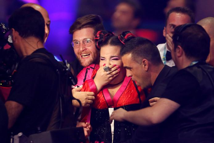De Israëlische zangeres Netta hoort dat ze heeft gewonnen.