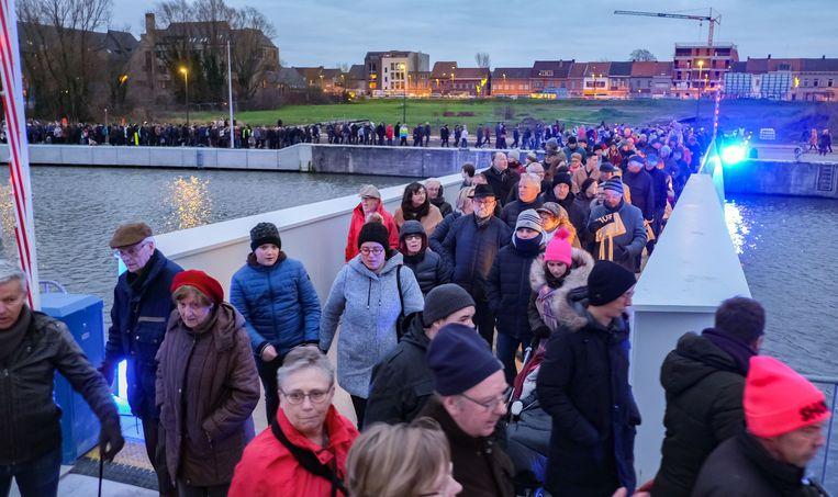 Honderden, zoniet duizenden mensen, namen deel aan de belevingswandeling Leieleute