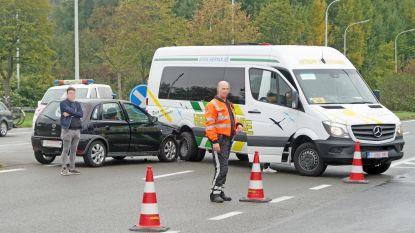 Ongeval met busje in Drongen: twee lichtgewonden