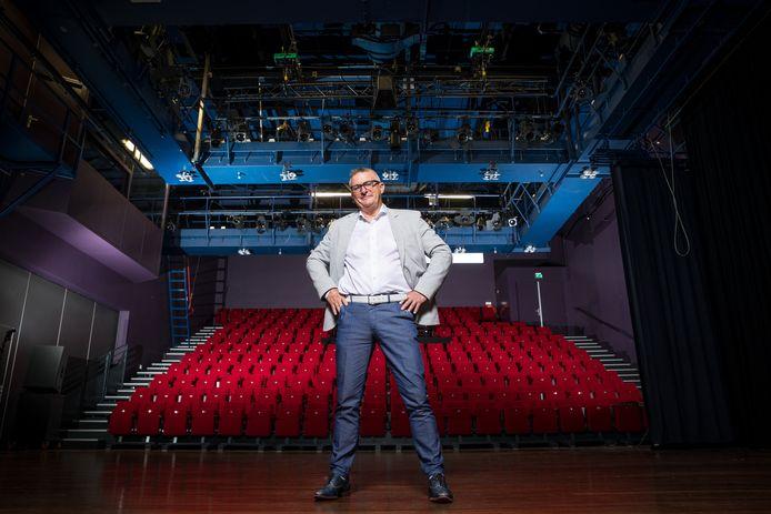 Gerlof Meijer strafrechter uit Zwolle, gaat de theaters in.