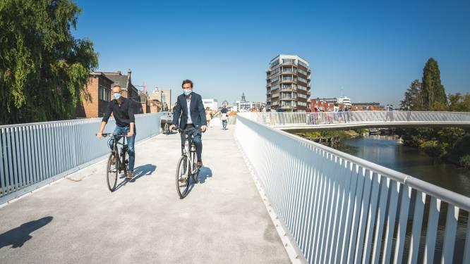 """Fietsersbond toont de weg naar Louisa d'Havébrug: """"We merken dat veel mensen de brug niet vinden"""""""