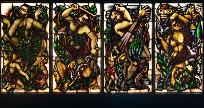 Een van de glas-werken van Wiegersma in de Wieger.