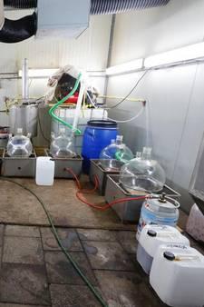 Drugscriminelen verdienden per dag miljoenen euro's in drugslab in Leende