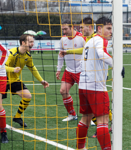 Dussense Boys slachtoffer van sensationele comeback Boeimeer: van 0-4 bij rust naar 5-4