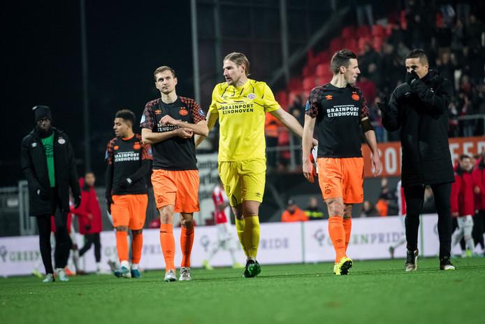 PSV druipt na de 1-1 in Emmen af.