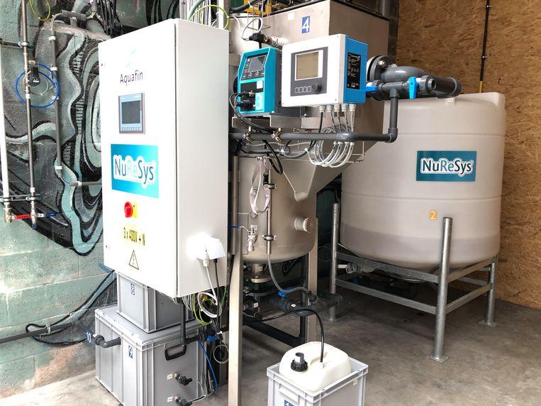 Het water van lavabo's en keuken wordt gezuiverd met een nanofilter.