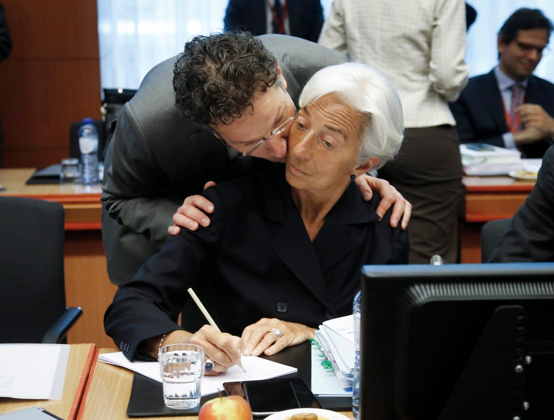 Jeroen Dijsselbloem in zijn rol als voorzitter van de Eurogroep en IMF-directeur Christine Lagarde tijdens een bijeenkomst over de Griekse crisis in 2015. Beeld EPA