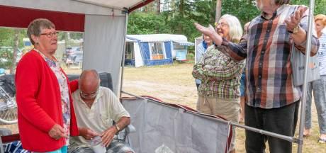 Campinggasten Besthmenerberg redden vakantie van gedupeerd Hardenbergs echtpaar
