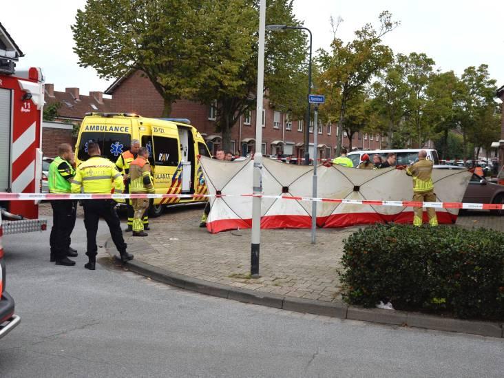Auto botst tegen muur in Breda, bestuurder overleden
