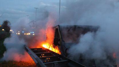 Chaotische avondspits door brandende bestelwagen op E40 in Erpe-Mere