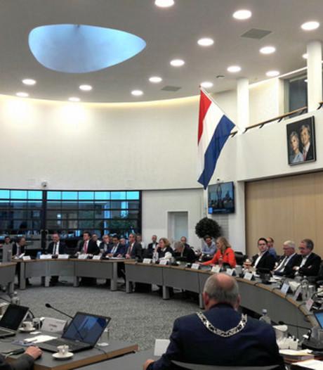 Nederlandse vlag in de raadzaal, ja of nee?