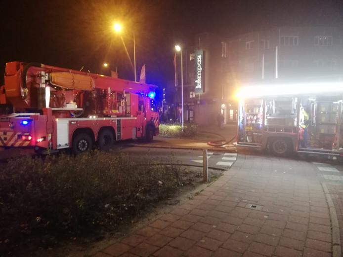 De brand in de ondergrondse parkeergarage is inmiddels geblust.